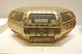 金漆福寿花果镂空八方盒