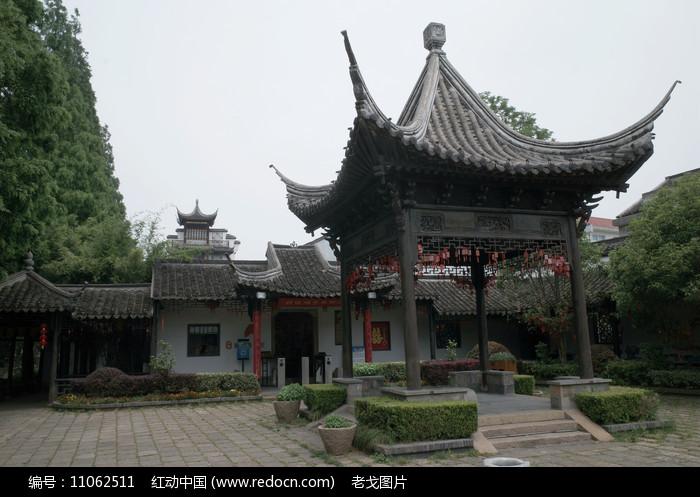 枫泾古镇亭子图片