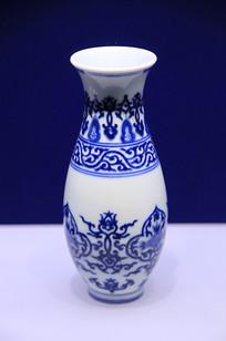 乾隆款青花折枝瓷瓶清代