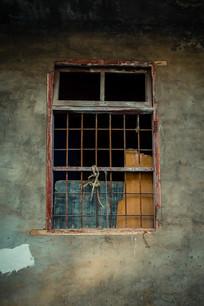 农村旧房子窗户
