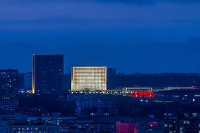 信阳市政府大楼夜色