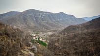 山坳中的村落