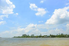 越南湄公河江心岛屿龙岛风光