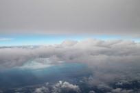 窗外漂浮的云朵