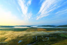 大兴安岭湿地晨雾云景