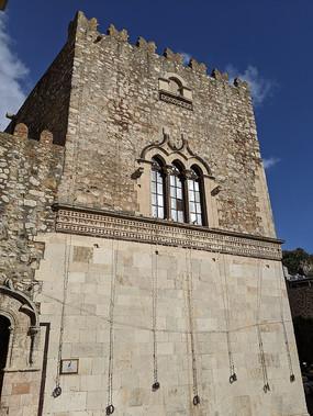 意大利陶尔米纳城堡