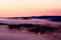 原野云雾朝阳风景