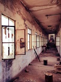 旧工厂通道