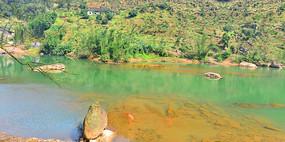 贵州赤水大同古镇的清澈大同河
