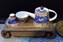 中式风格茶壶茶杯
