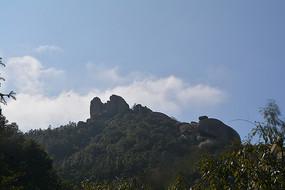 灵山上的奇石