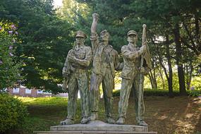 韩国仁溪艺术公园显忠塔雕塑