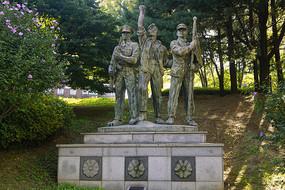 韩国水原显忠塔雕塑