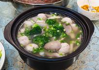 美味菜品平菇肉丸汤