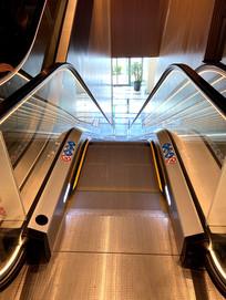商场扶手电梯