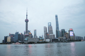 傍晚的上海外滩风光