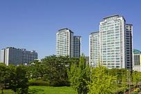 韩国水原城市高楼和城市绿化