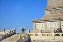 纪念碑基座