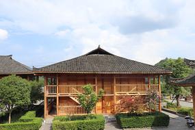 一朵木质房屋