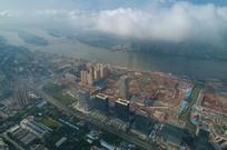 云雾中的广州在建金融城
