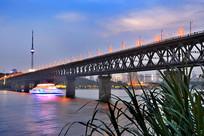 武汉长江桥夜景