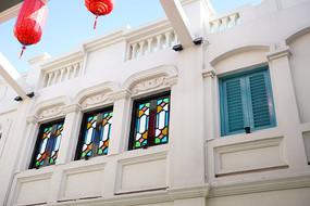 传统七彩窗户