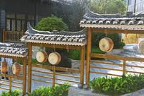 贵州西江千户苗寨-苗族皮鼓建筑