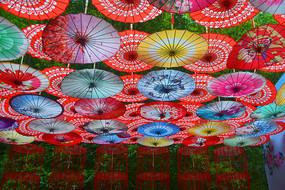油纸伞装饰