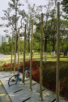 竹制自然风格自行车停车点