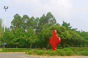 城市路沿花境-中國結雕塑