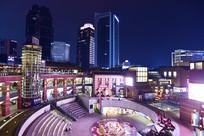 上海九六广场的下沉式广场