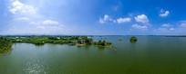 宽幅青山绿水蓝天白云湖上风光