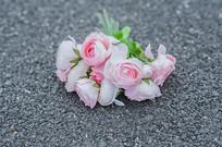 一束粉色装饰花