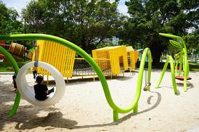 儿童游乐场设施