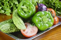 西红柿苦瓜青椒洋葱蔬菜背景