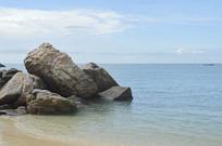 海南海滩沙滩海边礁石风光