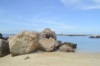 海南海滩沙滩海边礁石图片
