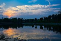 黄昏的彩云风景图