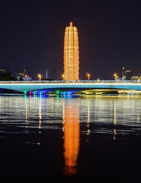 郑东如意湖夜景