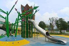 城市公园儿童游乐设施-滑梯
