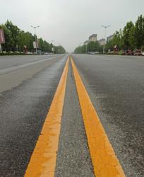 宽阔的马路