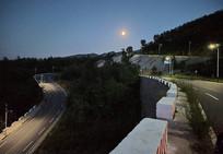 盘山路夜景
