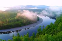 激流河河湾晨雾朝阳