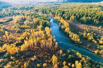 航拍大兴安岭森林河流秋色