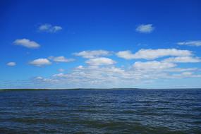 草原湖泊呼伦湖