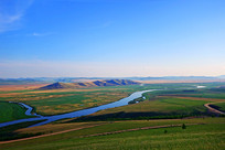 呼伦贝尔草原弯曲的河流