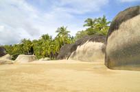 海南三亚天涯海角海滩礁石