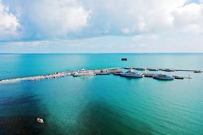 航拍青海湖码头