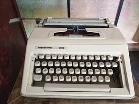 老物件针式打字机