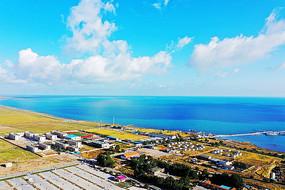青海湖沿岸风光